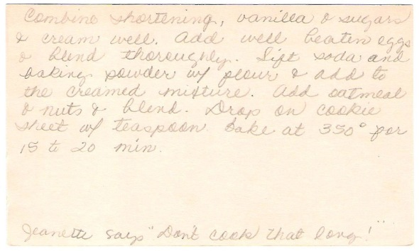 mom's original index card of jeanettes oatmeal cookies card (back)