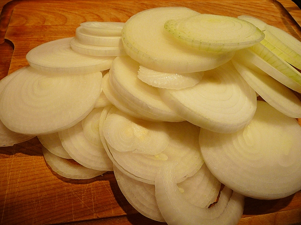 sliced onions used in mom's french onion soup
