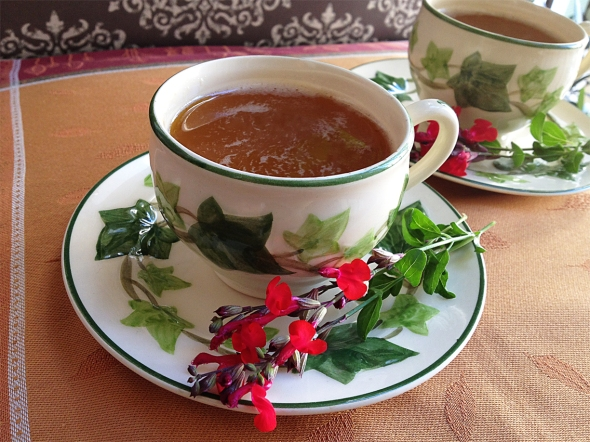 warm. citrus-y. clove-y. mom's russian tea!
