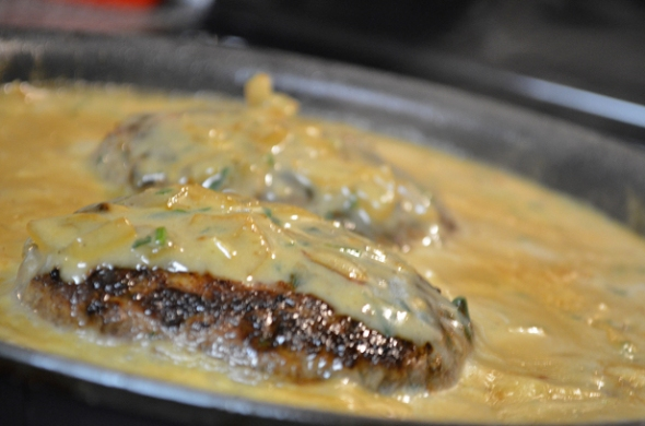 chopped sirloin with mushroom gravy